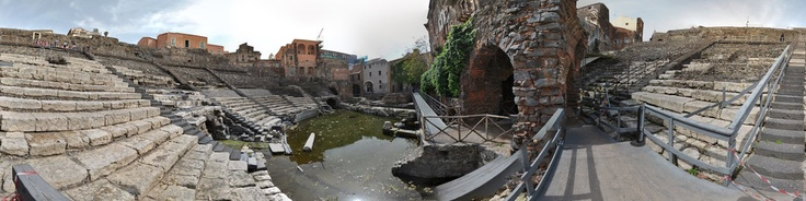 #invasionidigitali #teatroromanocatania #siciliainvasa #igersitalia #igersicilia  Il Teatro Romano di Catania, finalmente visibile a 360°, grazie alle invasioni digitali!