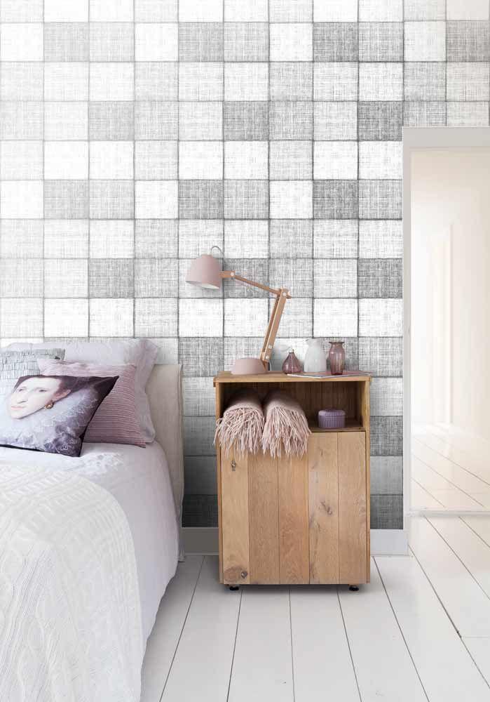 Fräck tapet med geometriskt mönster från kollektionen Kvadrat 17081. Klicka för att se fler inspirerande tapeter för ditt hem!