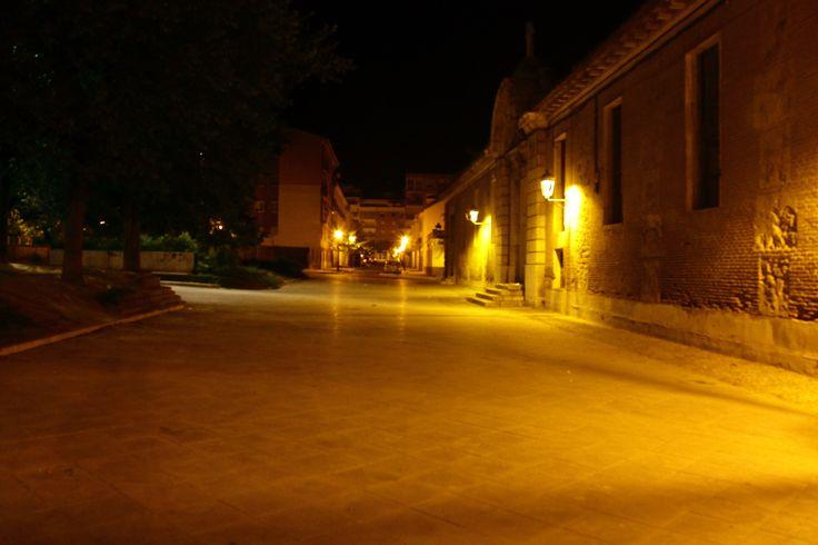 El Hospital de San Carlos a las tres de la madrugada...misterioso.
