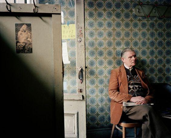 Martin Parr - England. Salford. A Hairdressers. 1986.: