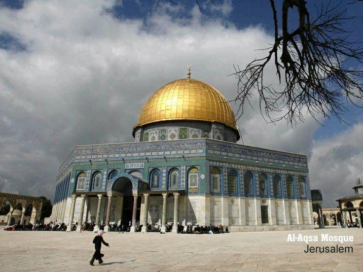 Masjid Al-Aqsa, Jerusalem http://www.acenature.com/most-beautiful-mosques-in-the-world/