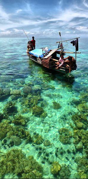 #Sea #Gypsies at #Semporna, #Borneo #Island #Sabah #Malaysia http://en.directrooms.com/hotels/district/1-2-1681-10254/