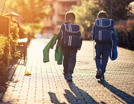 Tedd könnyebbé gyermeked számára az iskolakezdést! Mutatjuk, hogyan... #iskola #iskolaszer #suli #iroszer #papir #iskolakezdes