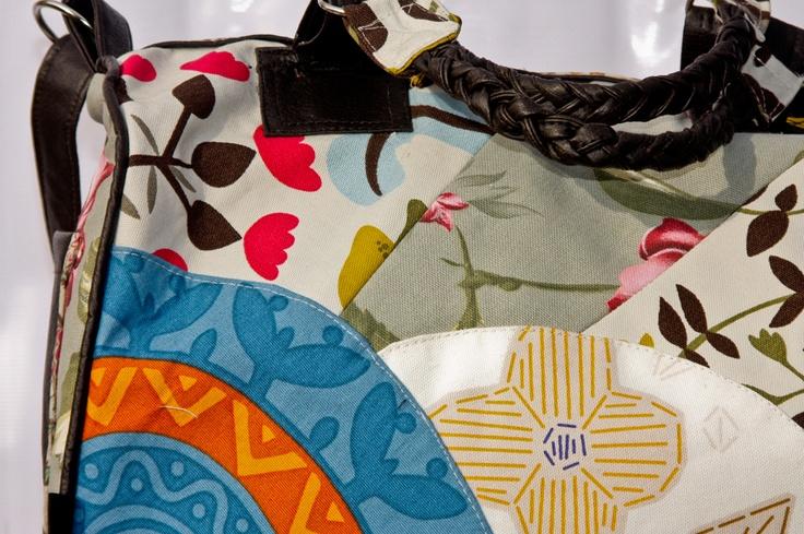 Este verano se viene más alegre y fresco que nunca, muchos colores y texturas que podemos llevar en nuestros accesorios y prendas favoritas!!!!  Síganos en Facebook, MooNo Atelier. :)