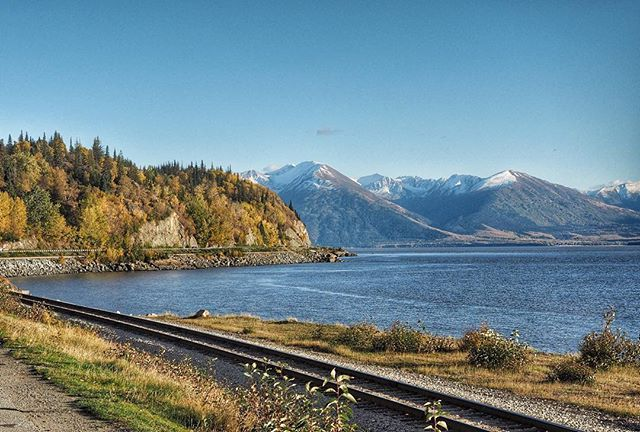 People drive this every day! The road winds around the arm right next to the water #kenaipeninsula #alaska #sometimesiwander #anchorage #scenichighway #sewardhighway