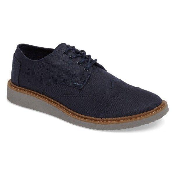 Men's Toms 'Classic Brogue' Cotton Twill Derby (315 BRL) ❤ liked on Polyvore featuring men's fashion, men's shoes, men's oxfords, navy blend, men's wingtip oxford shoes, mens wingtip shoes, mens navy shoes, toms mens shoes and navy blue mens shoes