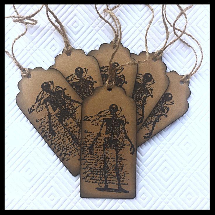 "Tags ""Creepy Skeleton"" - Handmade Gift Tags, Gift Tags, Favor Tags, Hang Tags, Skeleton, Hand Stamped Tag, Halloween, Spooky Tag, Goth Tag di TheEmporiumOfWonders su Etsy"