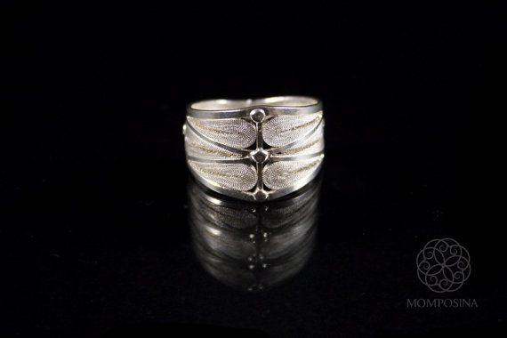 Woven silver filigree modern ring.