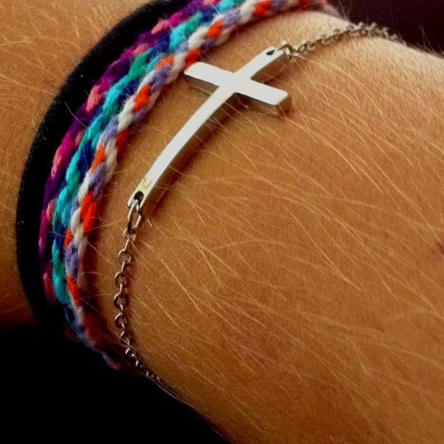 Interlocking cross. DIY bracelets