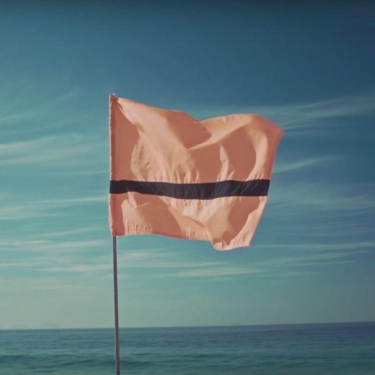 refugee-flag-for-rio-olympics-2016-amnesty-international-_dezeen_sq