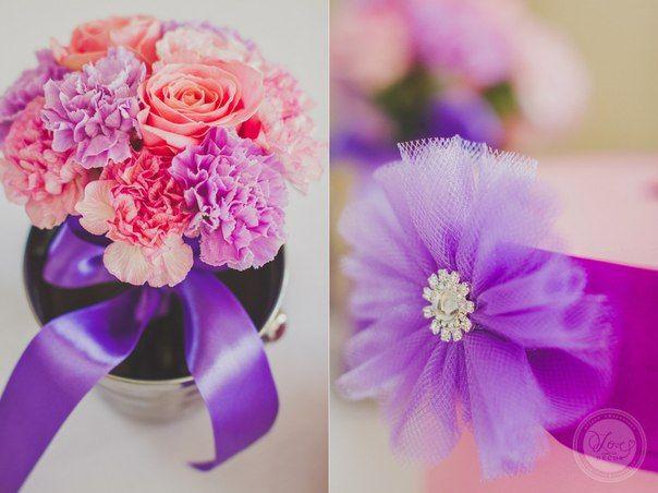 Вазы с цветами для гостей