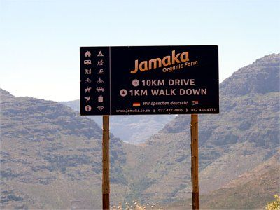 Jamaka Organic Farm and Resort belongs to the Nieuwoudt family since 1755. Jamaka is situated on the farm Grootkloof, currently the only certified organic farm in the Ceder mountains. Rooibos tea and various mango and citrus varieties constitute the primary crops of the farm.