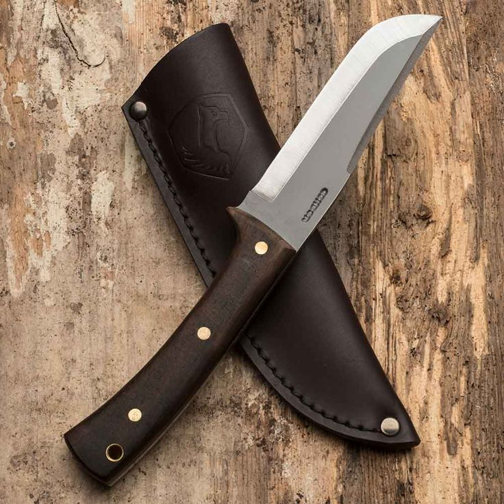 UPDATE: Due to high demand we are no longer accepting orders for this product.  Check out our newest knife addition! This 10 inch workhorse is well balanced and perfect for any camping or outdoors task. From prepping tinder to cooking, this knife is an essential tool. Keep it in its handsome leather sheath to keep it looking great for many years to come. We only have 10 in stock so get yours while you can!  http://gwade.tools/UOMR30cEdpM #garrettwade #bushcraft #outdoors #camping #knife