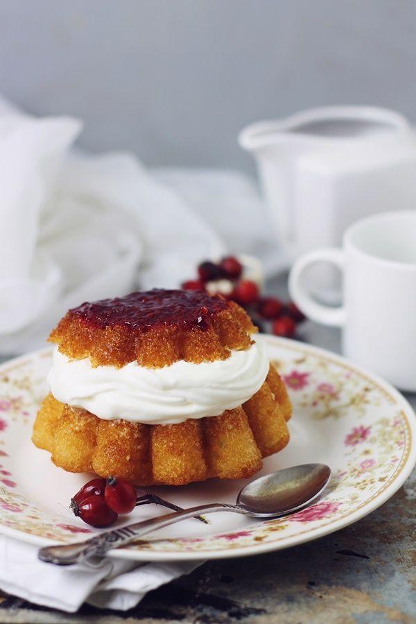 Savarin Cake/Savarine (cu aluat dospit) | Pasiune pentru bucatarie