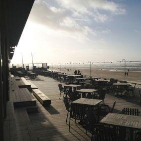 Het terras van Tijn Akersloot, ook in de winter open. #tijnakersloot #haarlem #zandvoort #kust #strand