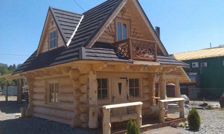 Góralski dom z bali drewna do przeniesienia.