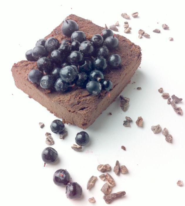Gluteeniton brownie-resepti, joka taipuu myös suklaakakuksi   Leeni Viio