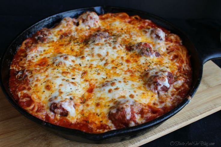 Skillet Spaghetti and Meatballs | http://otasteandseeblog.com/skillet-spaghetti-and-meatballs/ #TriplePFeature