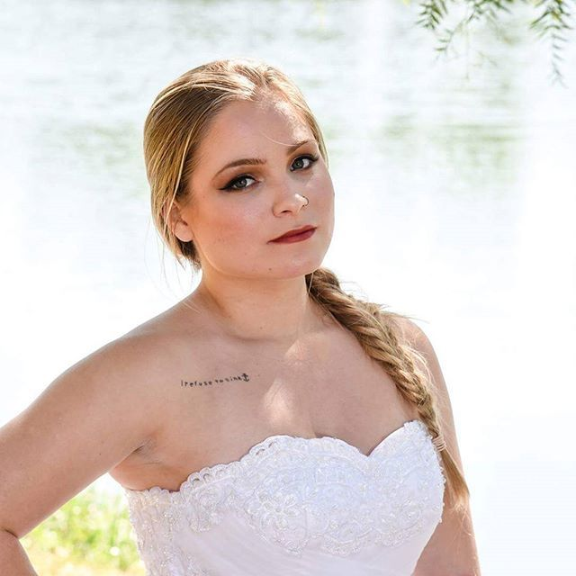Beleza para noivas feita por mim Modelo: @jheloureiro  Fotografia: @thiagojavier  Figurino: @santrixnoivas  #bride #blonde  #makeup #makeupartist #bridedress #whril #maccosmetics #makeupbycamilacarrafa