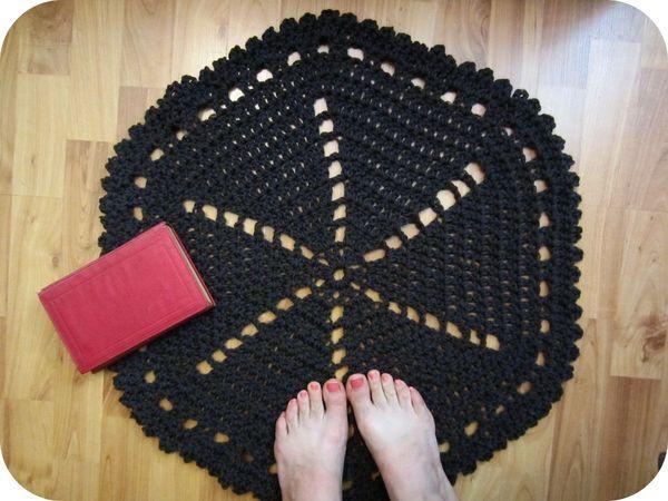 tapis_au_crochet_giant_doily_