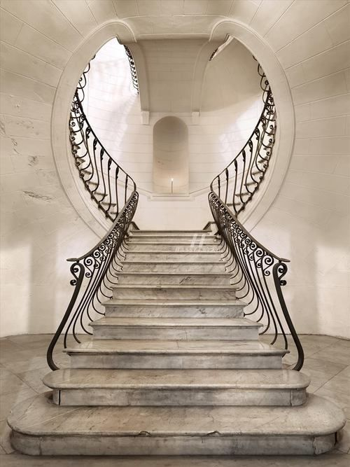 What a staircase! Keyhole Staircase.