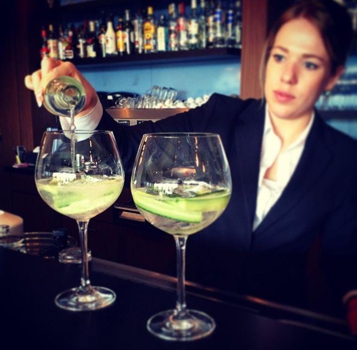 Van formeel programma naar gezellige avond met een heerlijke cocktail (ook alcoholvrij)! #winter #vecht #dalfsen #mooirivier