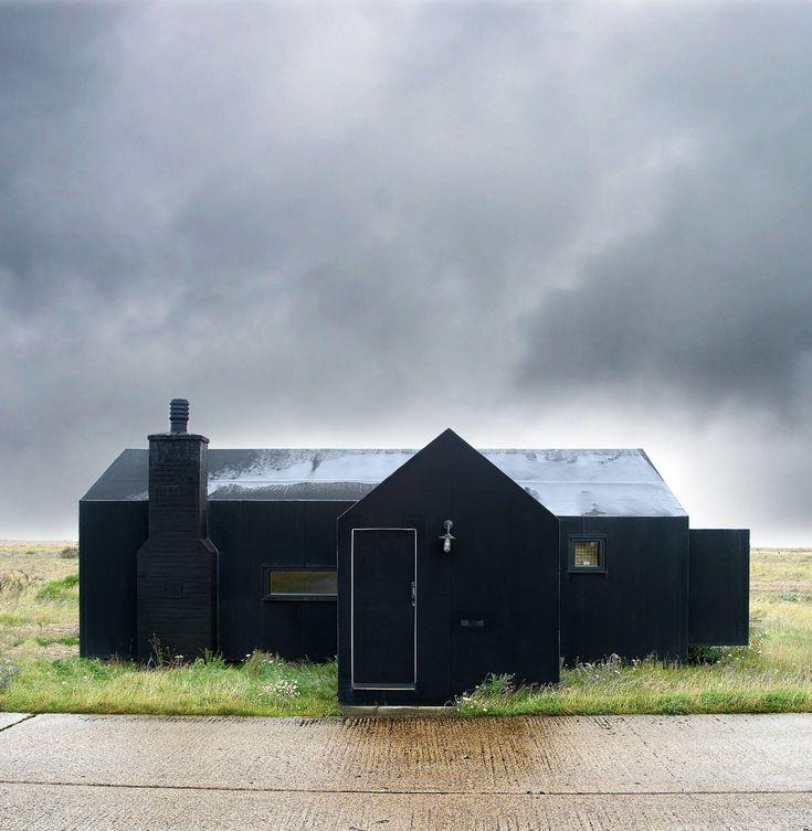 black rubber : architecture :beach house : simon conder associates : dungeness kent uk