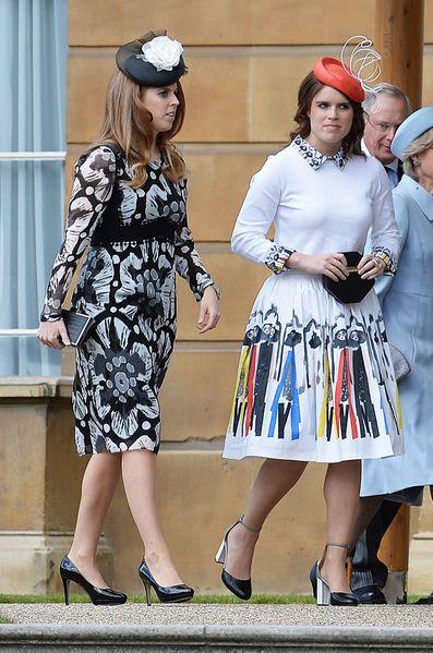 Ce mardi, la duchesse de Cambridge née Kate Middleton a pris part à la dernière des garden-partys de la reine Elizabeth II à Buckingham Palace, avec d...