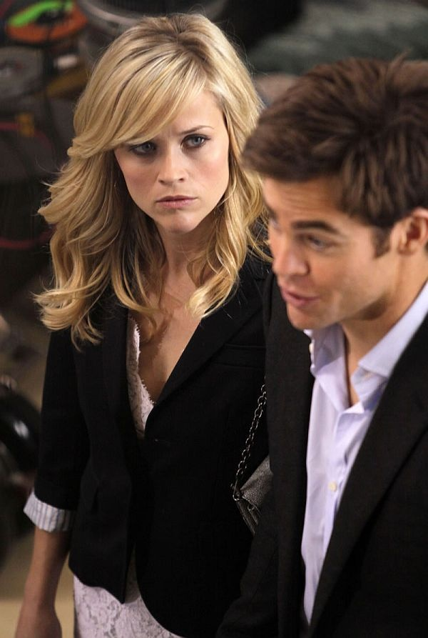 Reese Witherspoon - love the sweeping bang, but I'd need a professional to style my hair like this.