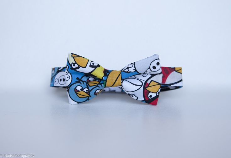 Angry birds bow tie - angry bird - video game  - cartoon tie -  toddler bow tie - men bow tie - birds bow by LaeCaTies on Etsy
