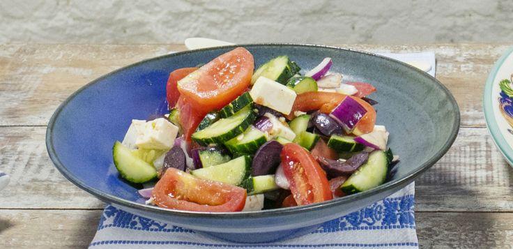 Segredinho: os tomates são levemente desidratados antes de se misturarem ao queijo feta