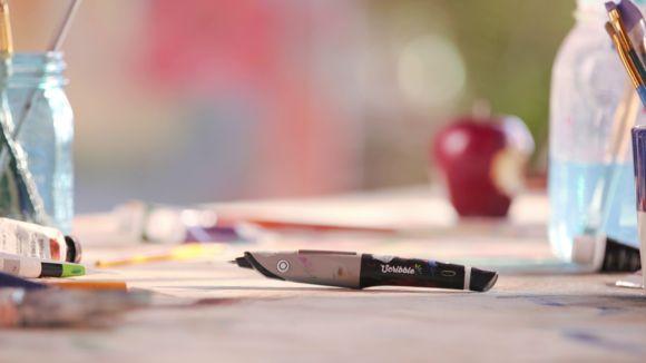 Scribble – pero, ktoré ovláda všetky farby   https://detepe.sk/scribble-pero-ktore-ovlada-vsetky-farby