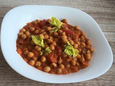 Kuchcik gotuje: Ciecierzyca w pomidorach