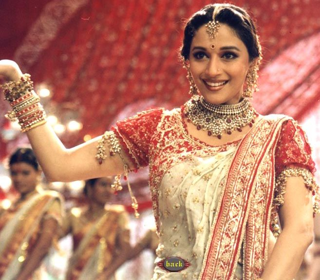#MadhuriDixit in a Bengali avatar from Devdas.