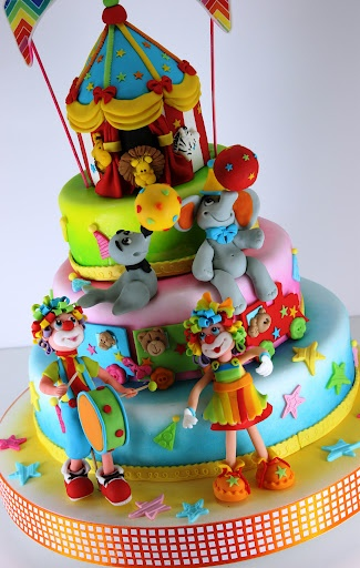 viorica's cakes I love this circus cake! Funny clowns and colors!