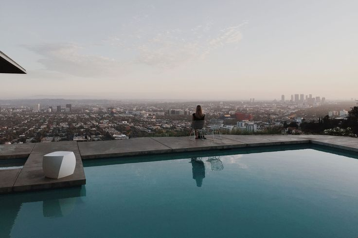 http://roaminglovers.fr/los-angeles/ #roaminglovers #pool #losangeles #view #landscape #architecture #house #lifestyle #la #city