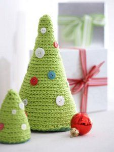 Tabletop Christmas Trees - Get the free crochet pattern to spruce up your home this season.