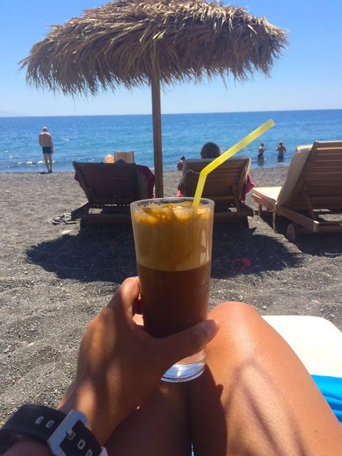 Travel Blogger Indonesia - Jalan2Liburan: Tradisi Es Kopi dan Frozen Yoghurt di Yunani