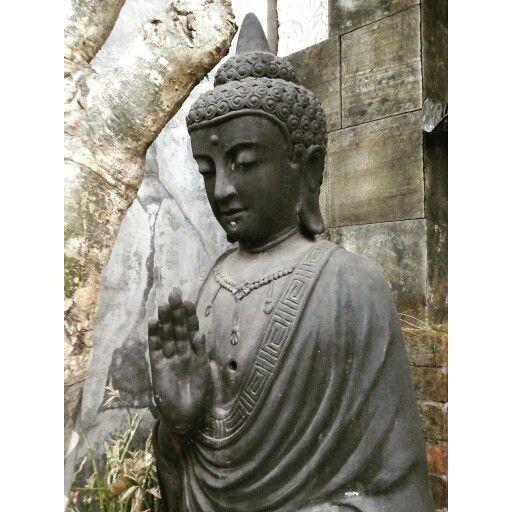 A Buddha statue at Pusat kerajinan gerabah Kasongan