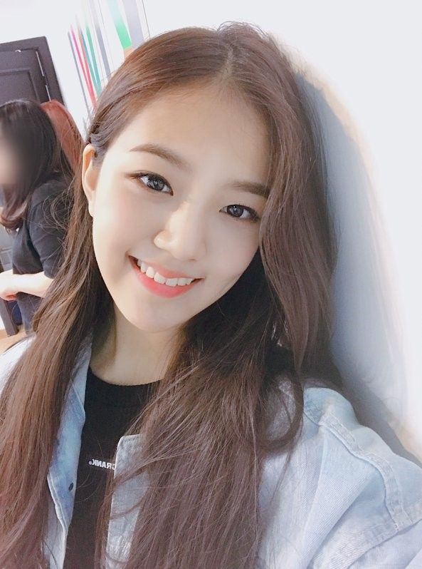 GWSN] LENA | Kim, Fandom, Pantone