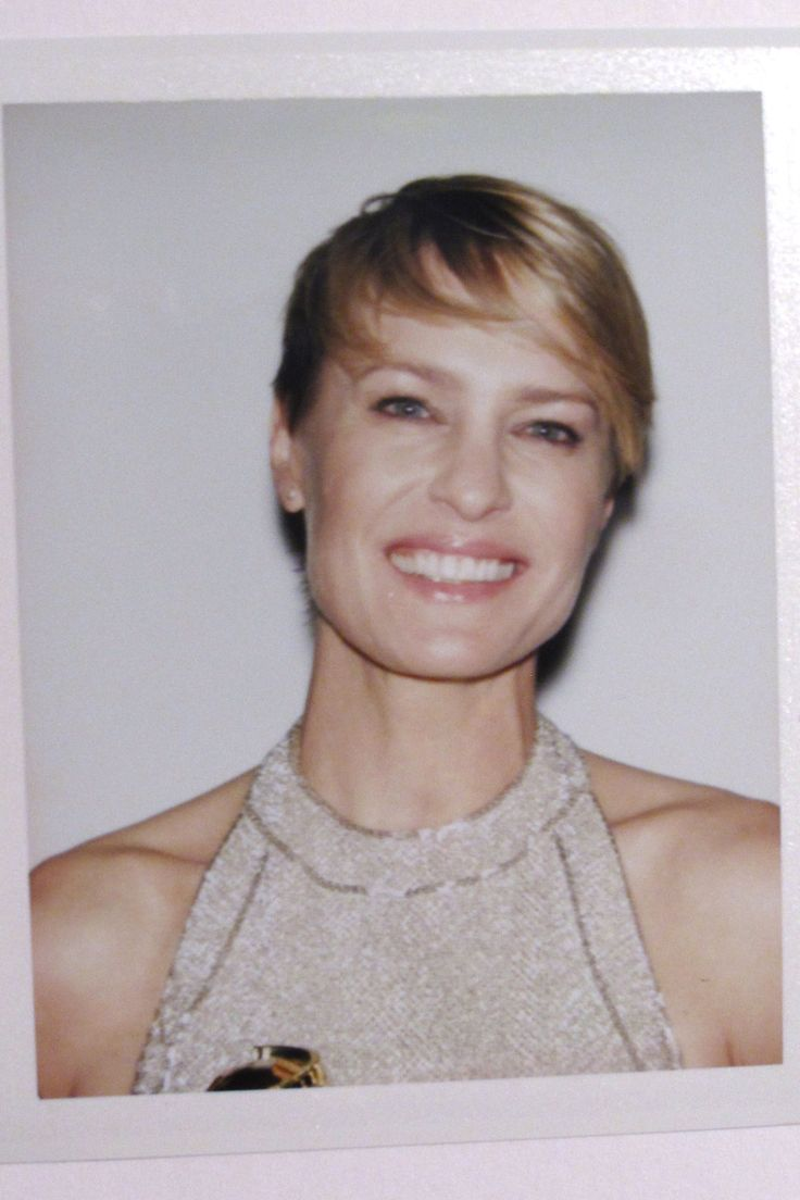 robin wright, golden globes, 2014 - so precious. i melt whenever she smiles in house of cards. gorgeous eyes.