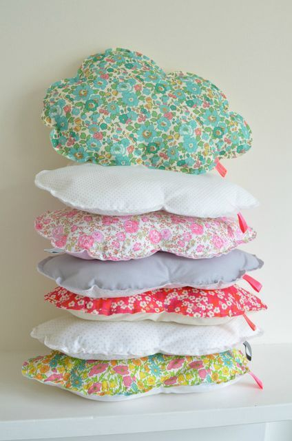 DIY Inspiration: Wolkenkissen // Liberty Cloud Pillow