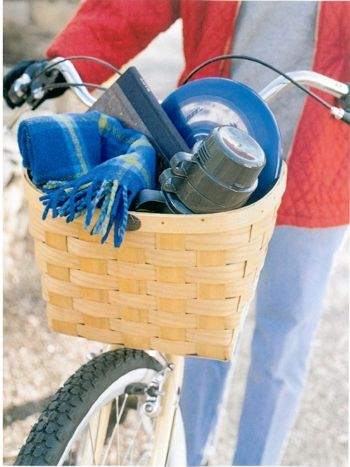 Bike baskets can carry enough gear for a few friends.  Traditional fare like crusty bread and rustic wine fit just as nicely as thermoses of steaming coffee and a box or two of biscotti.  We've made this one with 1 inch weave for a different look! 100% ****Made in the USA****
