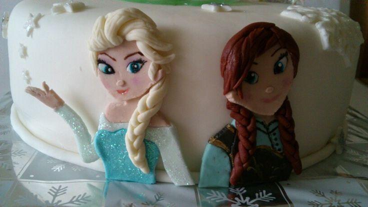 Frozen Elsa & Anna cake