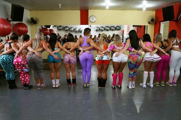Candidatas do Miss Bumbum na academia (Foto: Alessandra Gerzoschkowitz / EGO)