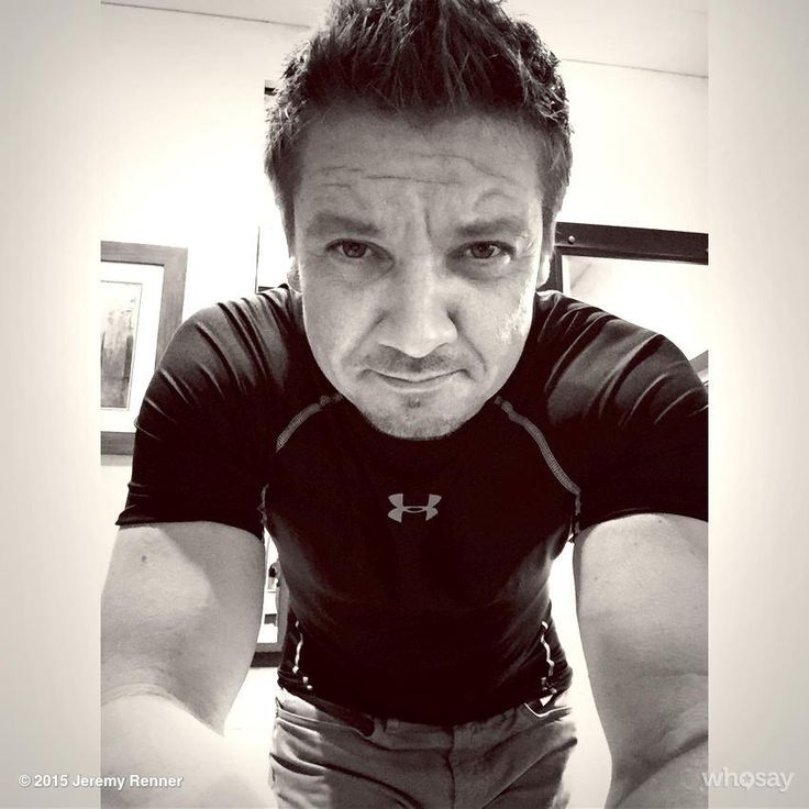 Cap 3. Day 1. Time to suit up again #civilwar #captainamerica #hawkeye hope the seams hold up