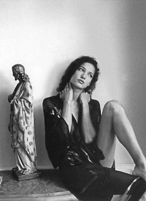 Ferdinando Scianna :: Marpessa, Amsterdam, 1990 / more [+] by this photographer