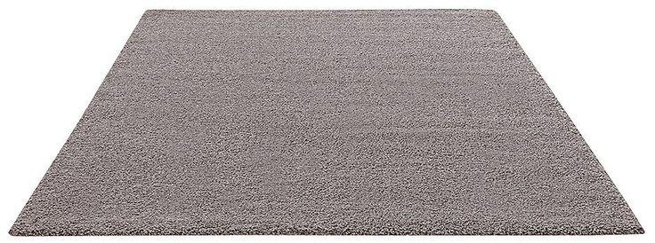 Diese Uni- Qualität besticht nicht nur durch die Strapazierfähigkeit des Garns, sondern auch durch die ungewöhnliche Optik des Teppichs. Das gekräuselte Garn gibt dem Teppich eine interessante Oberflächenstruktur mit einem wollig - warmen Charakter. Die Kombination aus robustem Garn und dem dennoch weichen, warmen Flor macht diesen Teppich in allen Wohnbereichen problemlos einsetzbar.   Details...