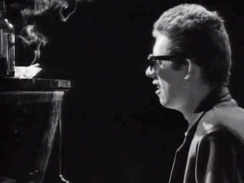 Favorite Christmas Carol The Pogues Featuring Kirsty MacColl -  Fairytale Of New York (Official Video))