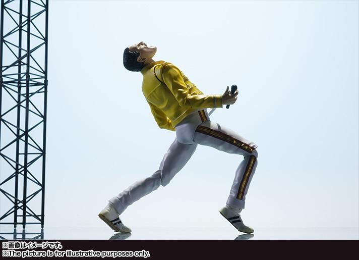 This is Bandai's Freddie Mercury action figure from their awesome S.H. Figuarts line. Paying tribute to music legend, the top figure maker adds Bruce to their latest figure line up. Recreate all of Freddie Mercury's iconic moves and poses thanks to the multiple joints of movement. This high quality action figure comes complete with 3 expressions including his singing face, optional hands, and microphone plus stick. Highly recommended.